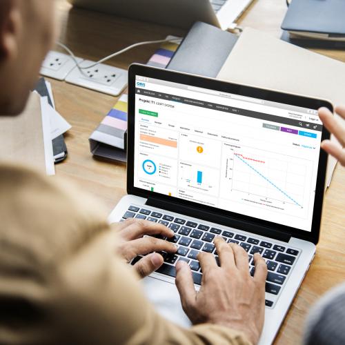projektöversikt på laptop